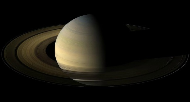 NASA probe samples rare alien dust near Saturn