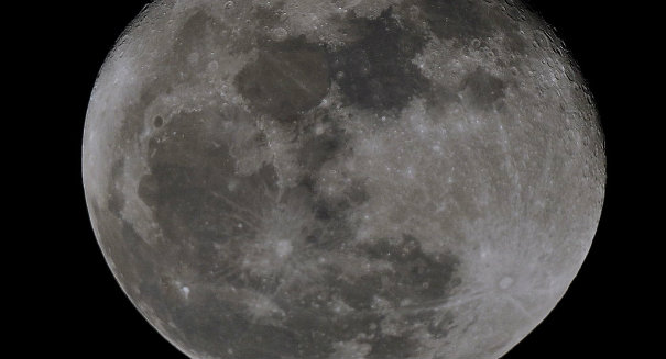 "Researchers find moon struck by an ""absolutely enormous object"""
