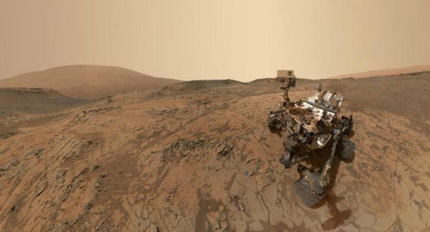 NASA's Curiosity rover sends selfie from Martian mountaintop
