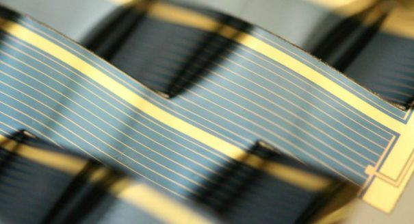 Amazing new solar panels follow the sun without a motor